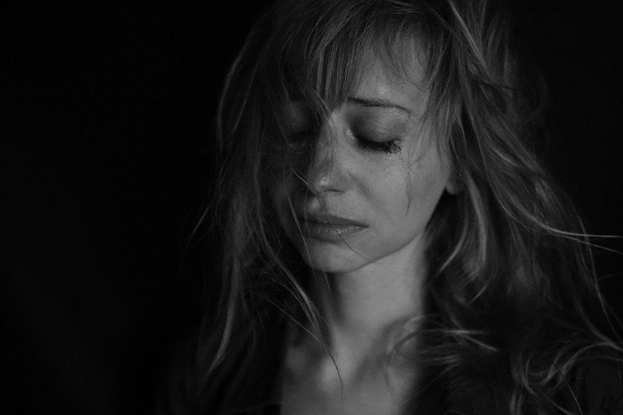 ▷ Significado De Sonhar Que Está Chorando – É Preocupante?