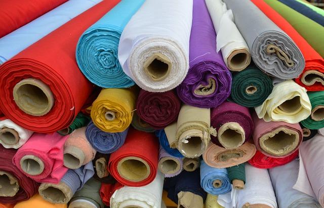 loja de tecidos, diversas cores