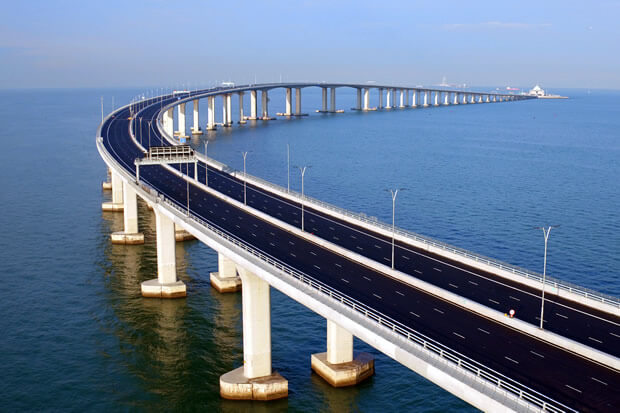 ponte nova sob o mar