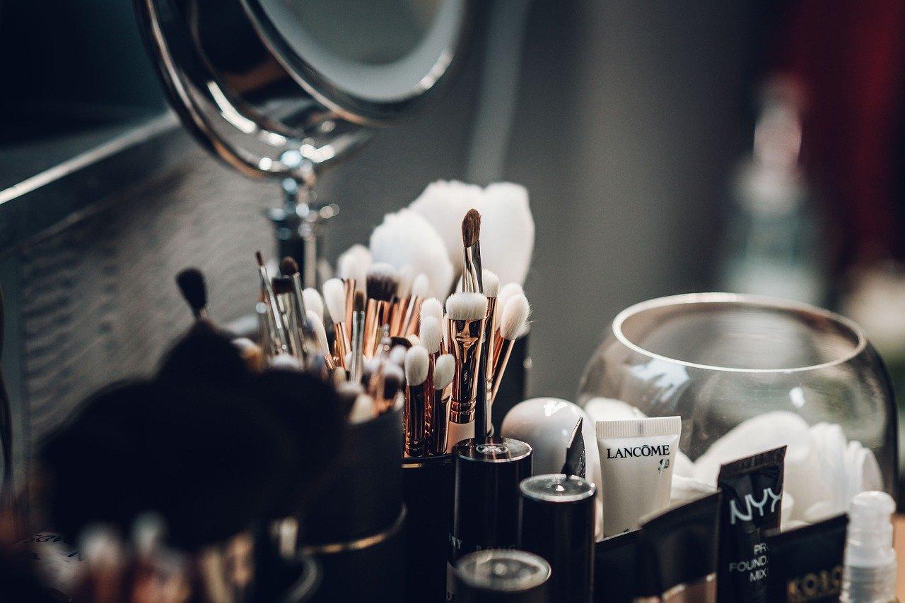 ▷ Sonhar Com Maquiagem é Bom Presságio?