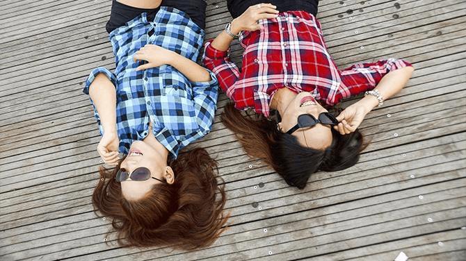 7 Razões Pelas Quais Você PRECISA Ter Uma Amiga Do Signo De Áries