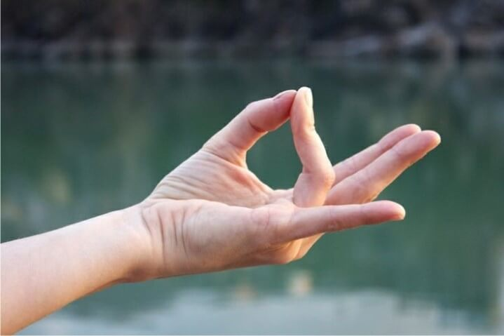 Conheça o Poder Das Mudras: Posições Curativas Das Mãos