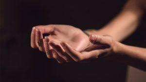 Veja Como Sair Da Dívida Com Este Simples Ritual De Oração