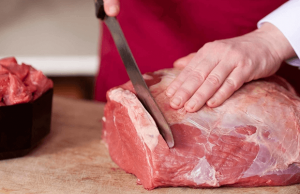 ▷ Sonhar Cortando Carne Crua 【Não se assuste com o significado】