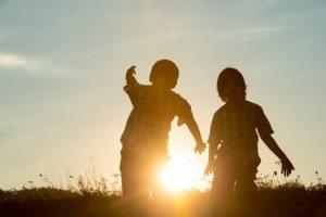 ▷ Sonhar Com Irmão é Sorte No Jogo Do Bicho?