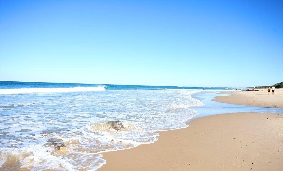 You are currently viewing ▷ Sonhar Com Praia 【12 Significados Reveladores】