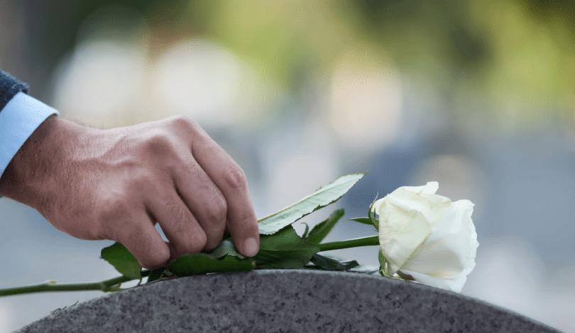 You are currently viewing ▷ Sonhar Que a Mãe Morreu 【É Mau Presságio?】