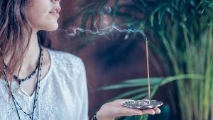 A Magia Do Incenso e Seu Significado De Acordo Com o Seu Cheiro