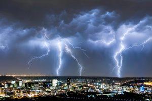 ▷ Sonhar Com Tempestade 【7 Significados Impressionantes】