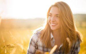4 Mentiras Sobre a Felicidade Que Nos Fizeram Acreditar a Vida Inteira