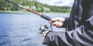 ▷ Sonhar Pescando Peixe Com Anzol 【É ruim?】