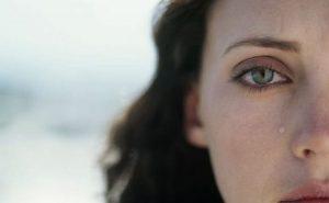 ▷ Sonhar Com Uma Pessoa Chorando 【8 Significados Reveladores】