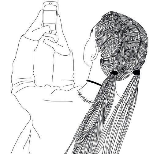 menina fazendo selfie