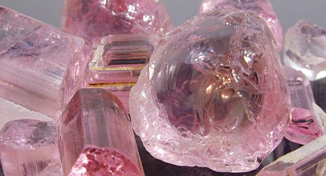 quartzo rosa bruto