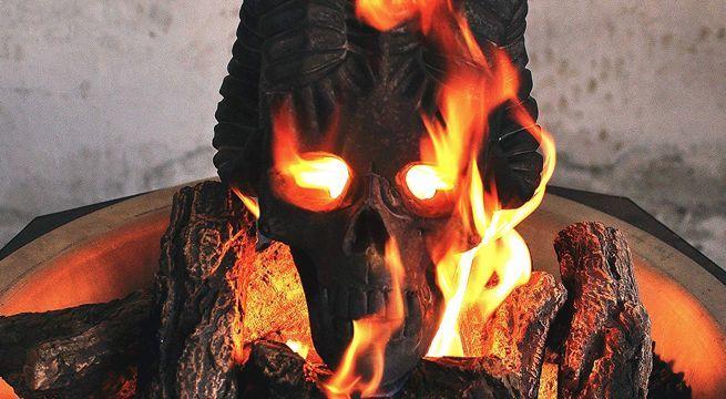 fogueira asssutadora de dia das bruxas