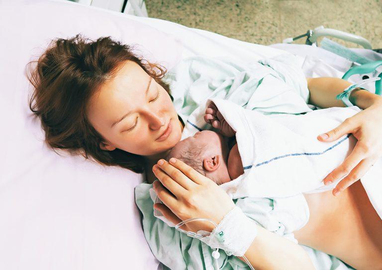 ▷ Sonhar Que Está Ganhando Bebê 【É Gravidez?】