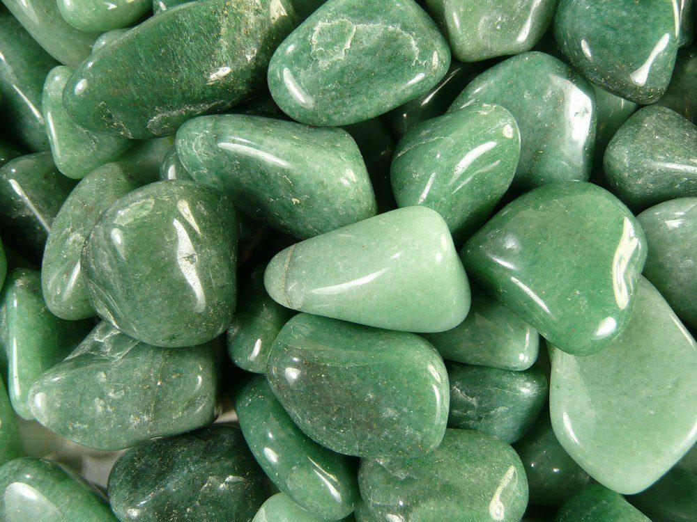 quartzo verde polido várias pedras
