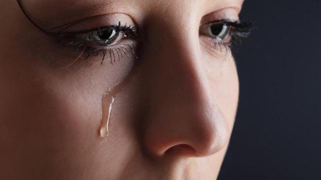 ▷ Sonhar Com Alguém Chorando 【É Mau Presságio?】