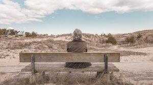 ▷ Sonhar Com Avó Falecida é Mau Presságio?