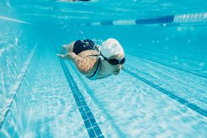 ▷ Sonhar Nadando 【Não se assuste com o significado】