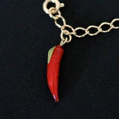 pingente de amuleto da sorte de pimenta