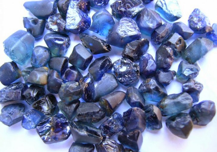 foto da pedra preciosa safira