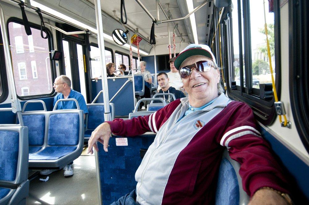 ▷ Sonhar Andando De Ônibus é Bom Presságio?