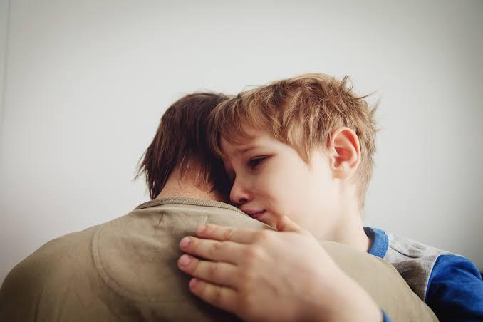 ▷ Sonhar Com Filho Chorando é Mau Presságio?