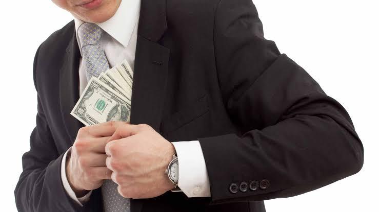 ▷ Sonhar Roubando Dinheiro 【É Mau Presságio?】