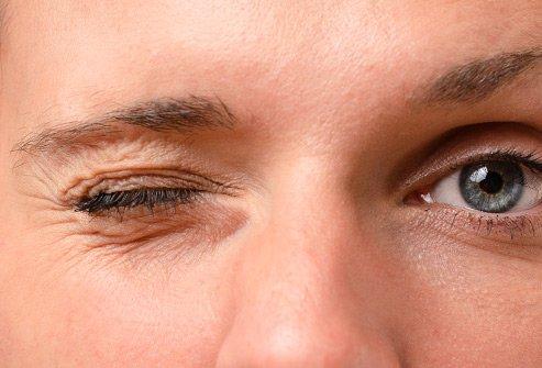 olho direito tremendo