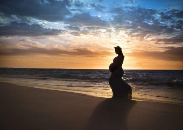 mulher grávida foto
