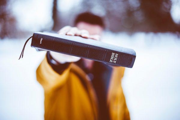 ▷ 39 Versículos De Aniversário Para Enviar Para Pessoas Especiais