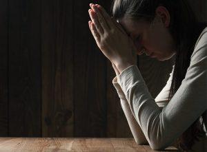 ▷ 10 Orações Da Noite Para Descansar Profundamente