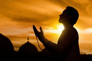 ▷ 10 Orações Para Afastar Maus Espíritos