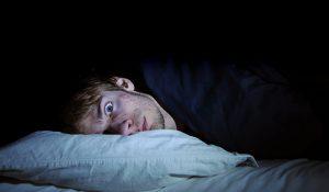 ▷ 7 Orações Para Ele Perder o Sono (Garantido)