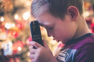 ▷ Oração Para Criancinha Se Tornar Um Adulto Bom e Feliz