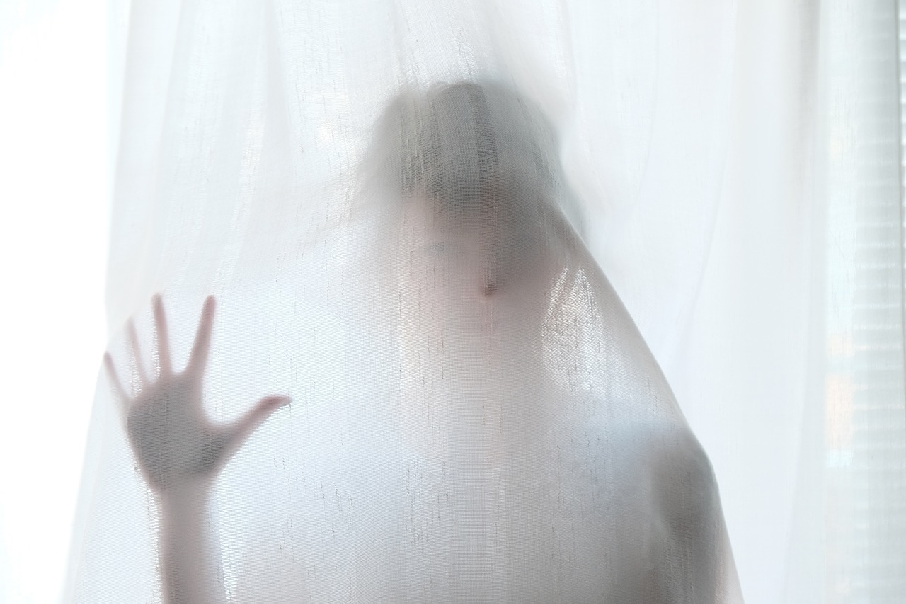 ▷ Sensação De Corpo Gelado Por Dentro Pode Ser Espíritos Por Perto?
