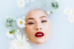 ▷ 10 Banhos Para Atrair Dinheiro (Garantido)