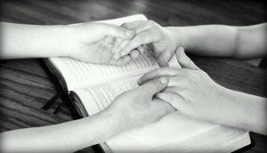 ▷ Poderosa Oração Do Credo Para Chamar Alguém