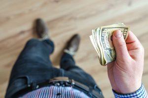 ▷ 10 Orações Para Receber Dívidas Rápido (GARANTIDO)