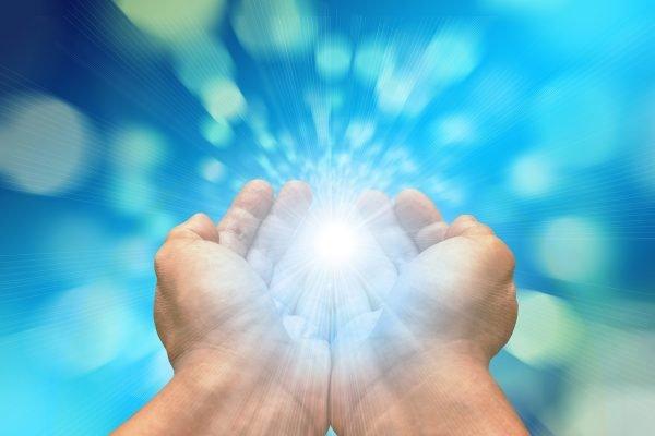 ▷ 10 Fortes Orações Pela Cura De Alguém
