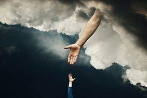Oração ao Braço Poderoso de Deus – Faça 3 Pedidos Urgentes