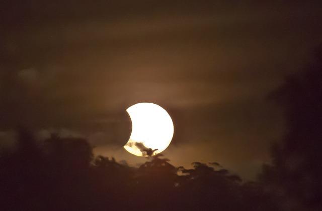 foto de um eclipse