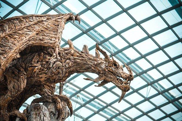 dragão de mentira, estátua